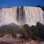 photos gratuites Photographies gratuites des Chutes d'Iguaçu, à la frontière entre le Brésil et l'Argentine. Photos gratuites des cascades, du fleuve Iguassu, de chutes d'eau, vues du Brésil...